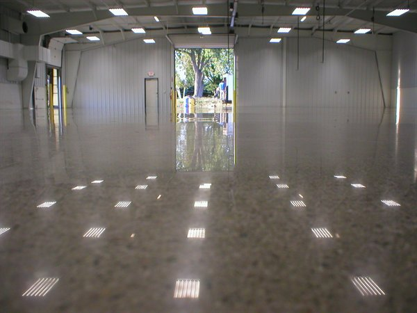 Polished concrete work in nyc brooklyn manhattan tony for Buffing stained concrete floors